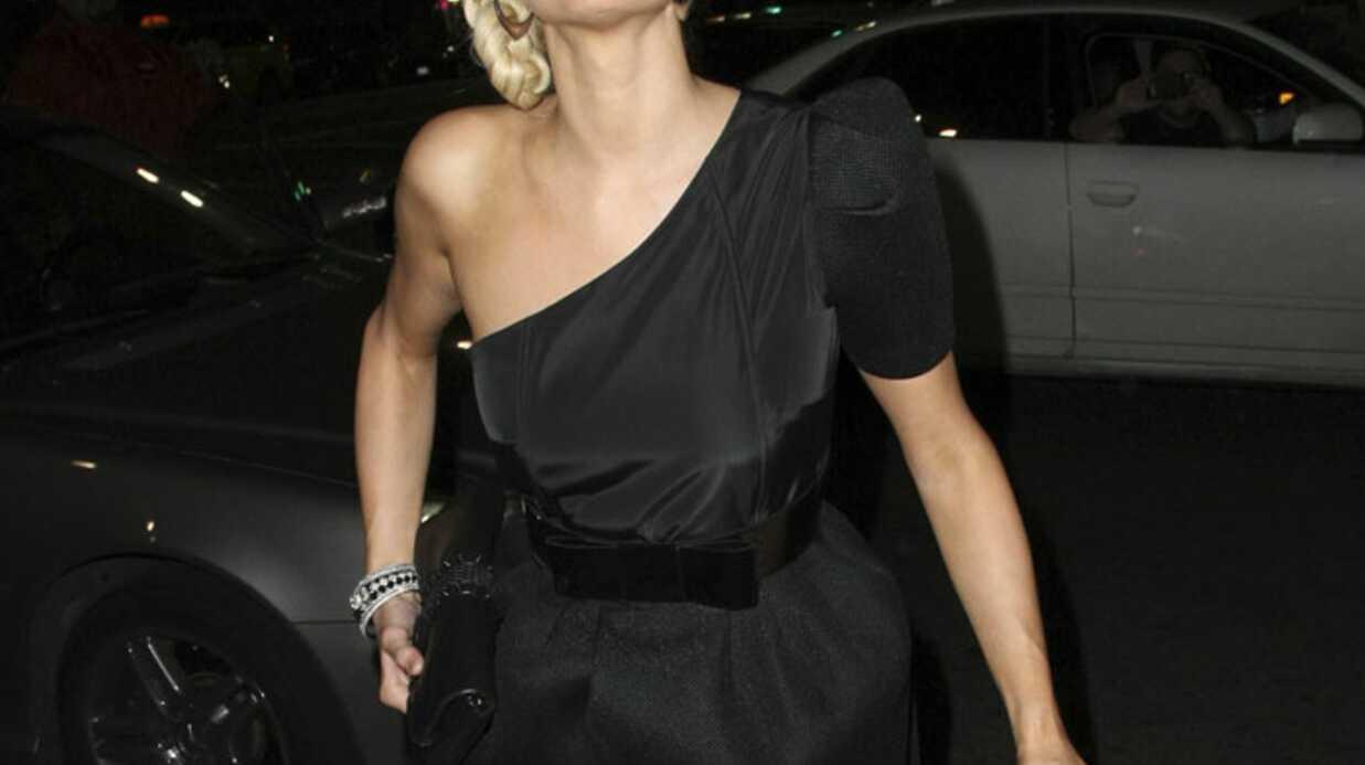 LOOK Paris Hilton joue la sobriété