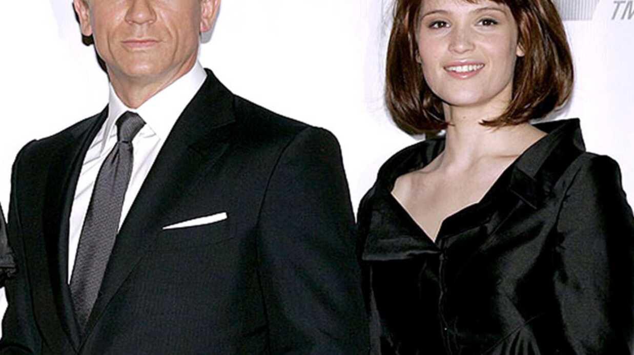 Daniel Craig: sa doublure sortirait avec Gemma Arterton