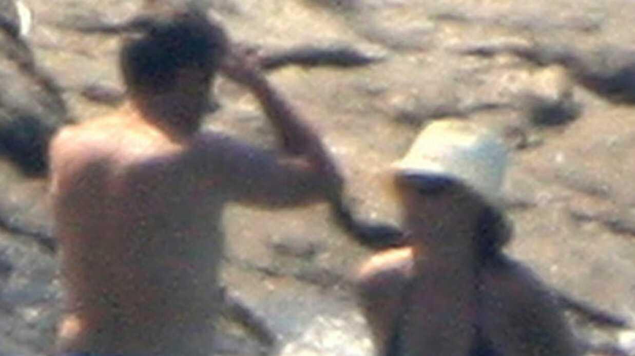 Nicolas Sarkozy et Carla Bruni: premier bain de mer