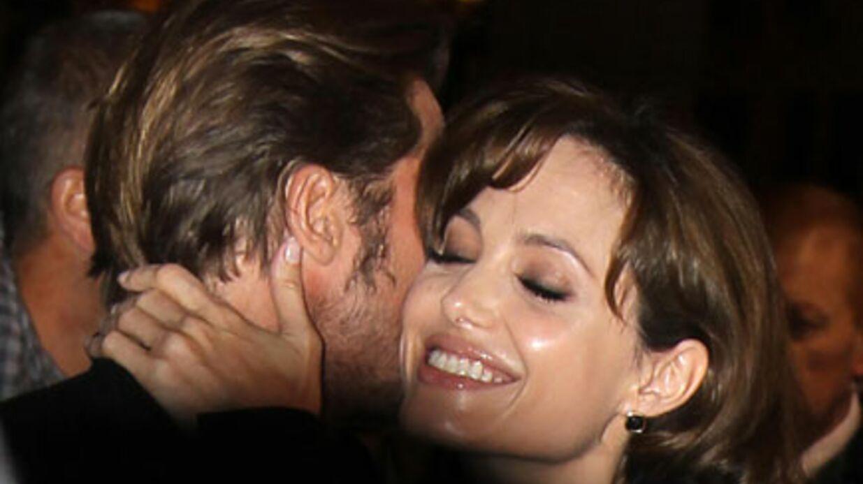 Angelina Jolie sexuellement comblée par Brad Pitt