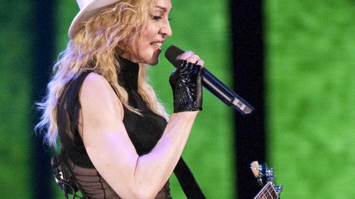 VIDEO: Madonna s'évanouit pendant un live