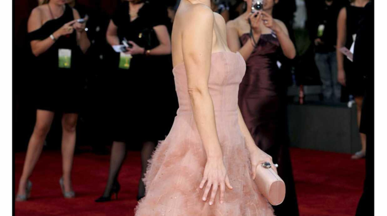 Emmy awards 2009: Drew Barrymore, un look glamour et féminin