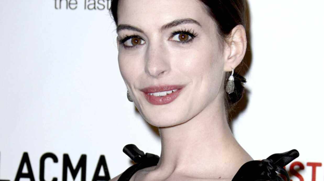 Anne Hathaway se trouve grosse