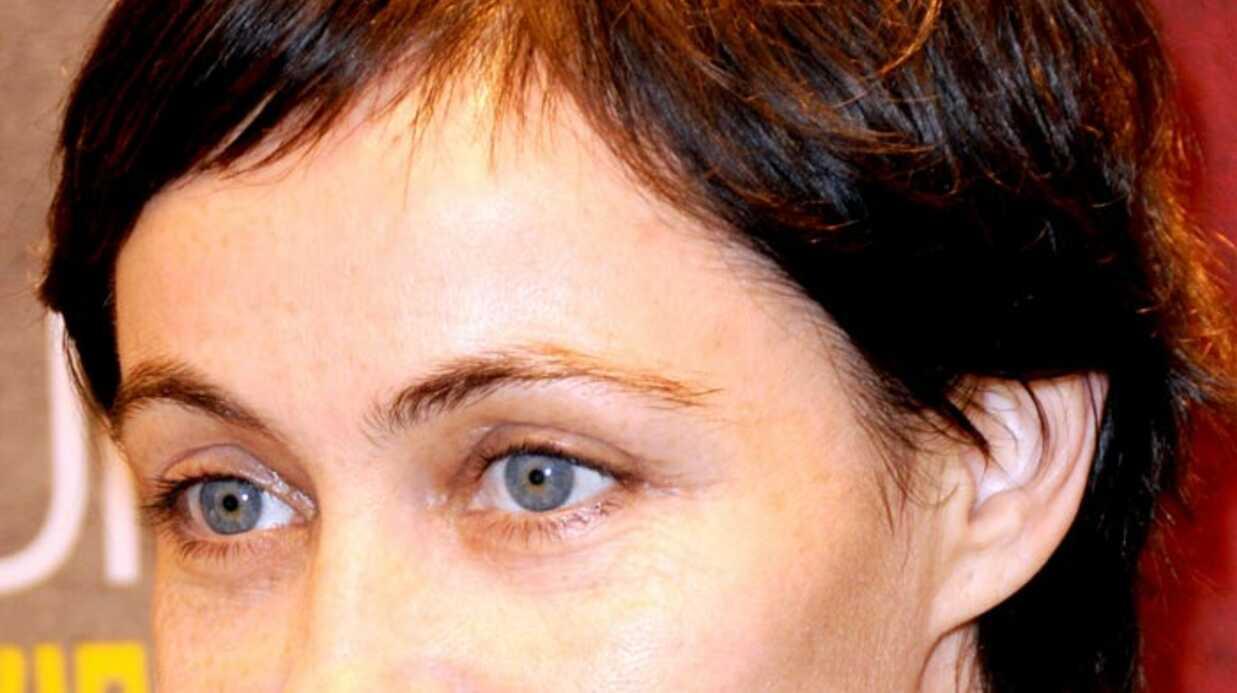Emmanuelle Béart évoque son opération des lèvres «loupée»