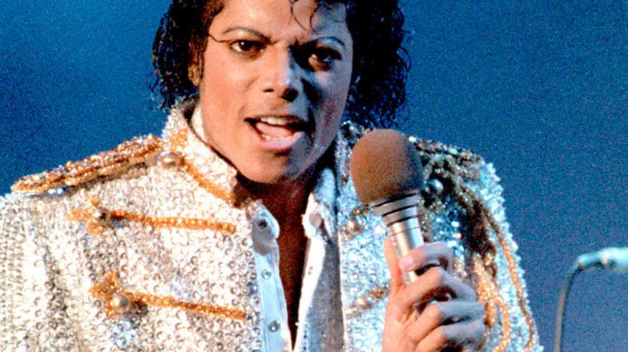 Michael Jackson: 350.000 dollars pour son gant blanc