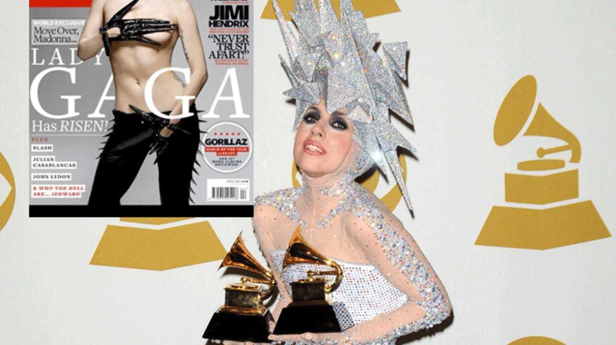 Lady Gaga, seins nus dans Q, joue l'hermaphrodite