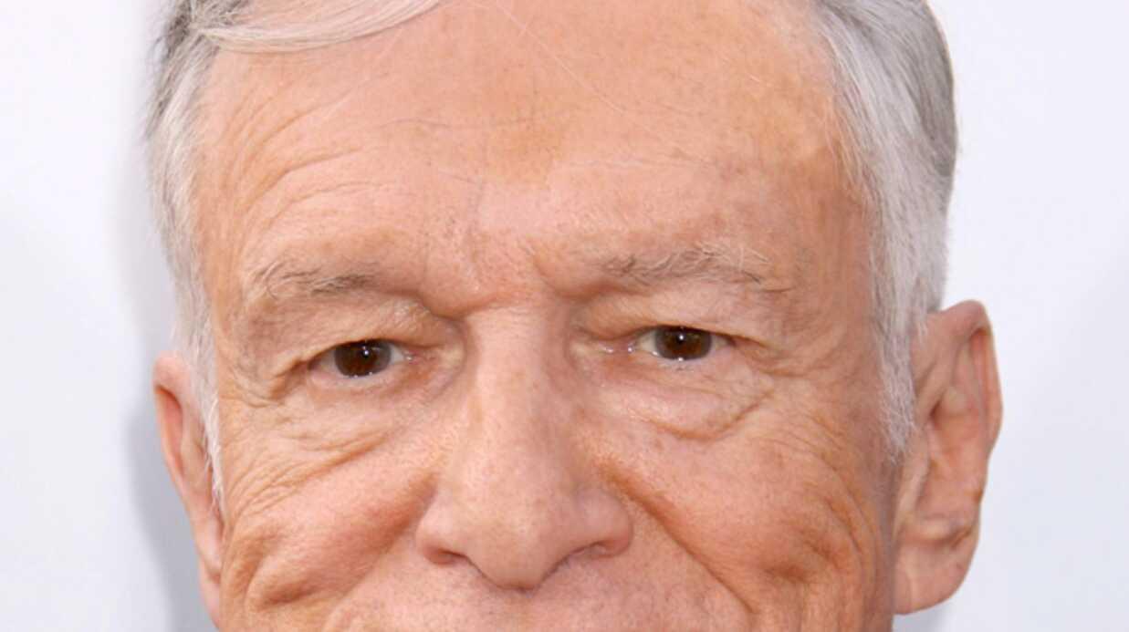Hugh Hefner Cloué au lit