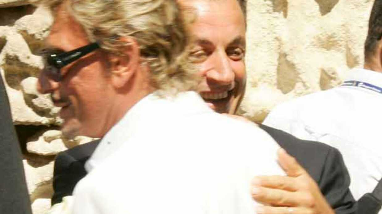 Nico­las Sarkozy impose Johnny Hally­day le 14 juillet
