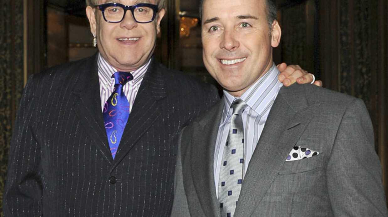 Elton John et David Furnish évoquent la mère de leur fils
