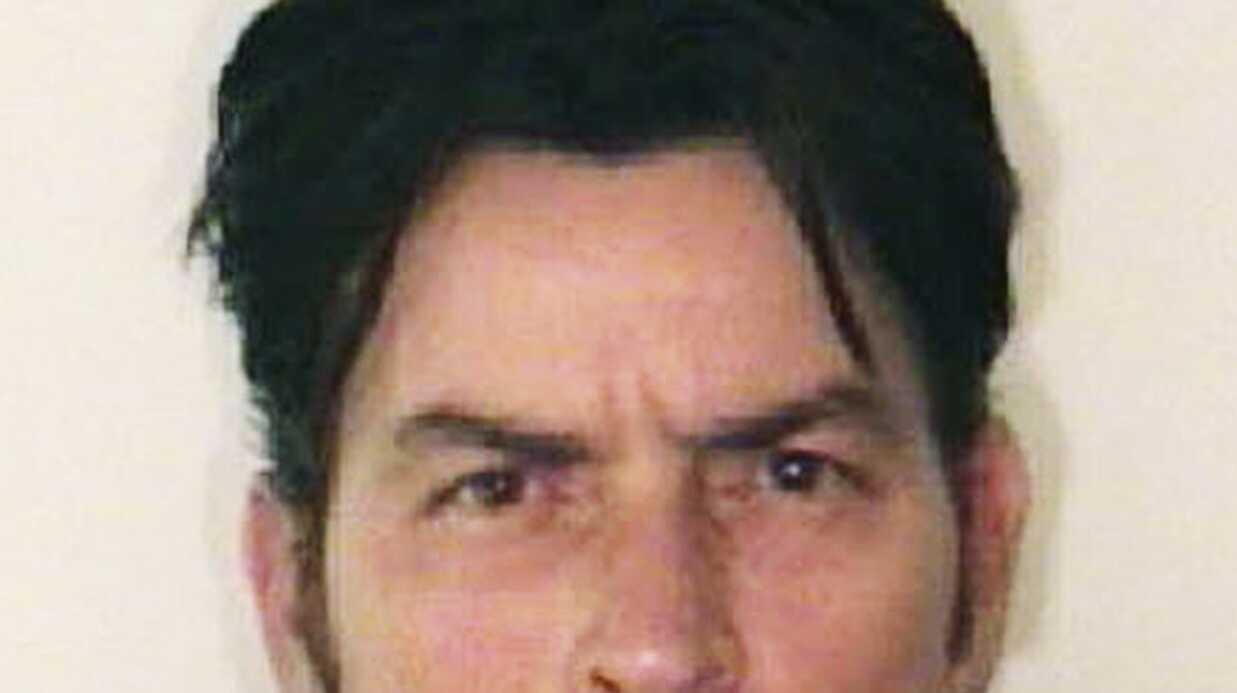 Charlie Sheen en thérapie pour gérer sa violence conjugale