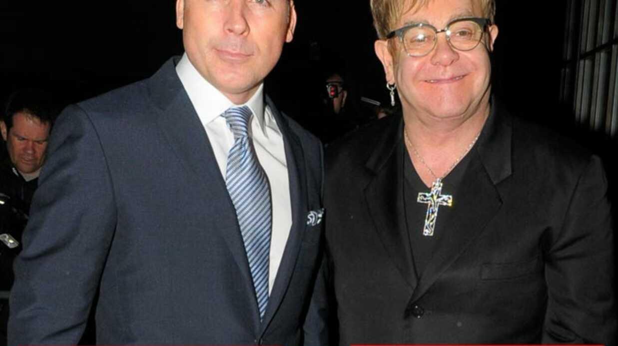 Censure d'une photo d'Elton John en famille