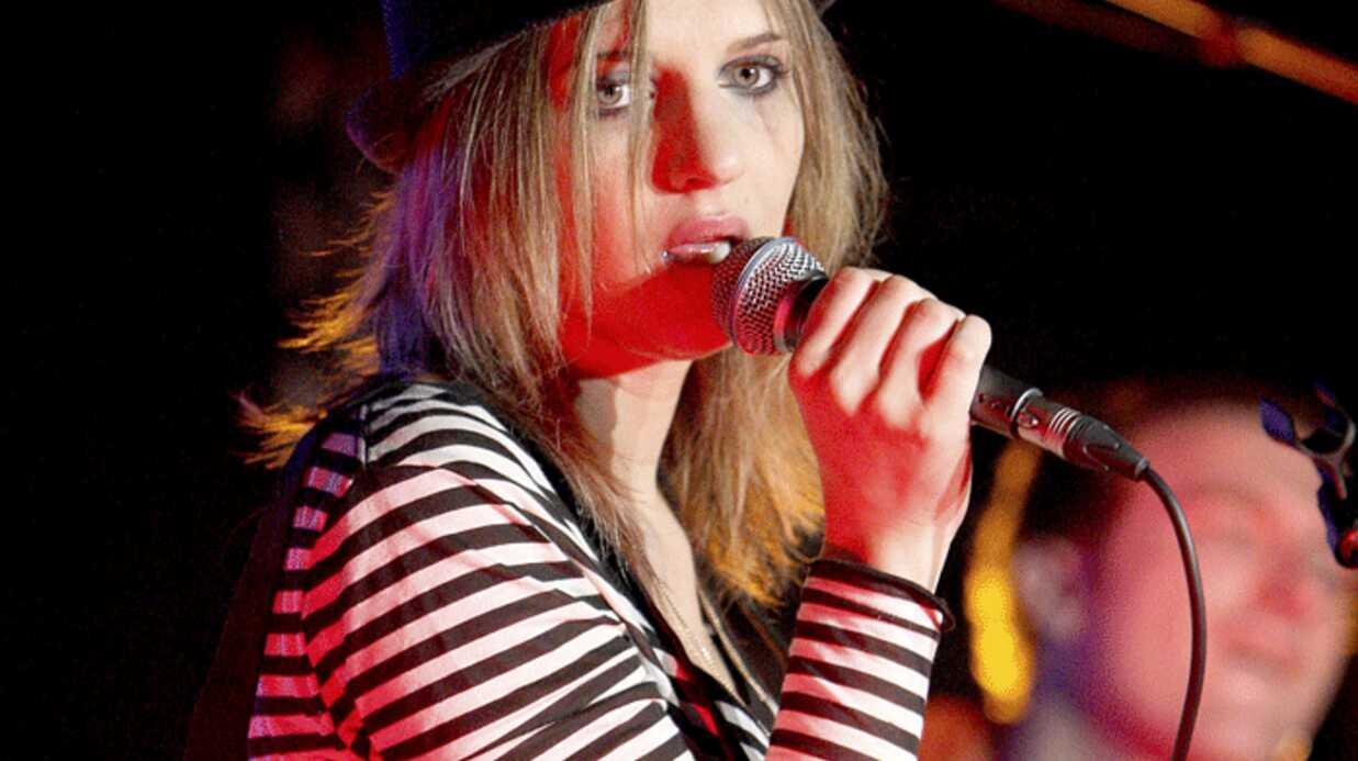 Amandine Bourgeois: jurée d'une Nouvelle star dur Direct 8