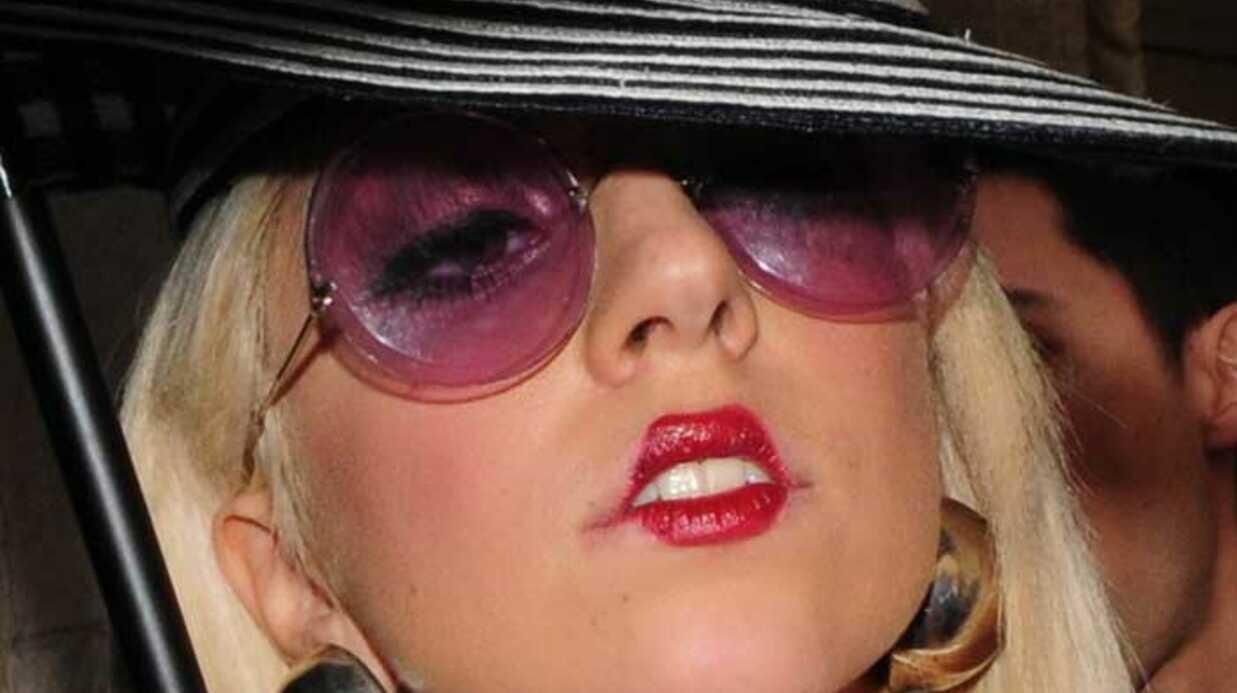 Lady Gaga arrêtée par les Russes à cause d'une veste en cuir