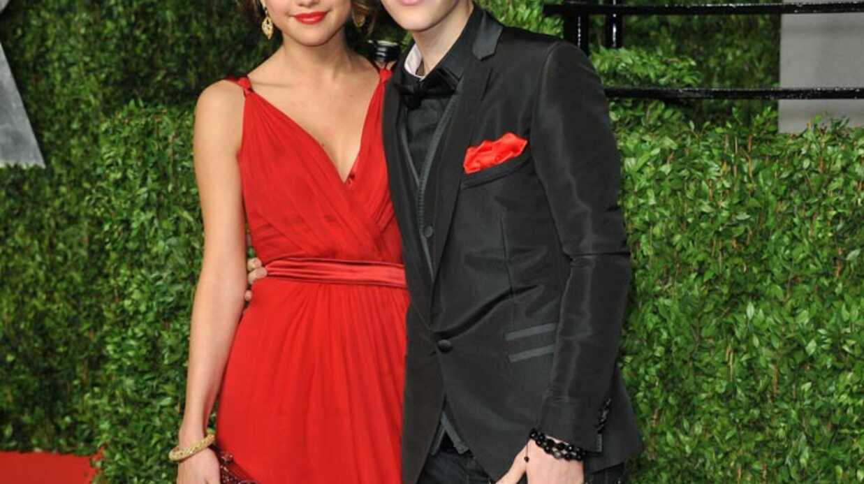 Justin Bieber officialise sa relation avec Selena Gomez