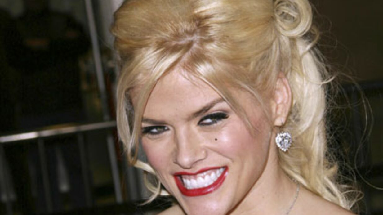 Mort d'Anna Nicole Smith : Stern reconnu coupable de complot