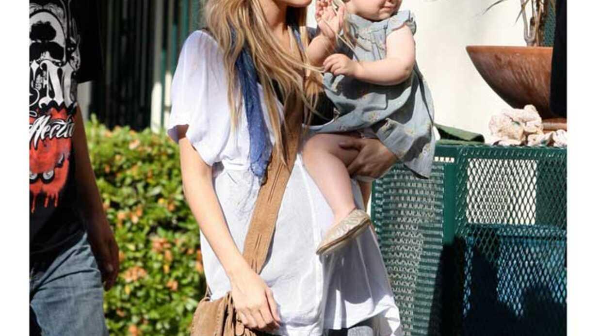 LOOK Nicole Richie est une maman au style ethnique-chic