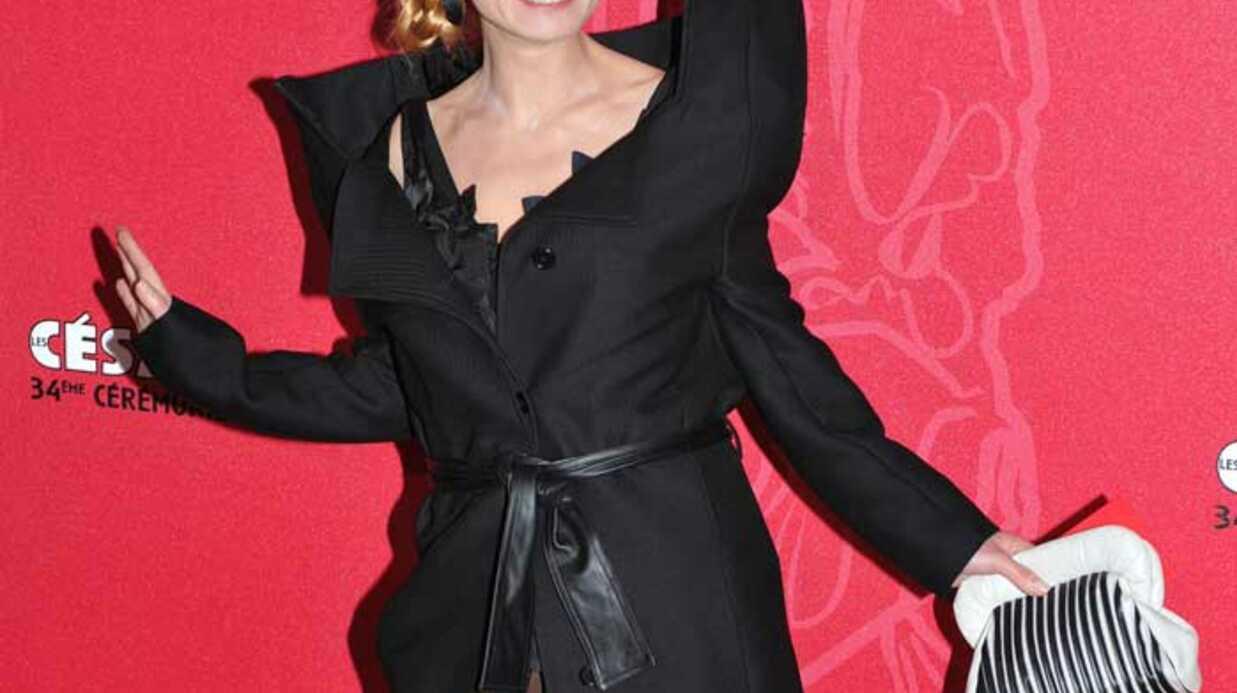 LOOK  Sandrine Bonnaire et sa robe à bretelles aux César