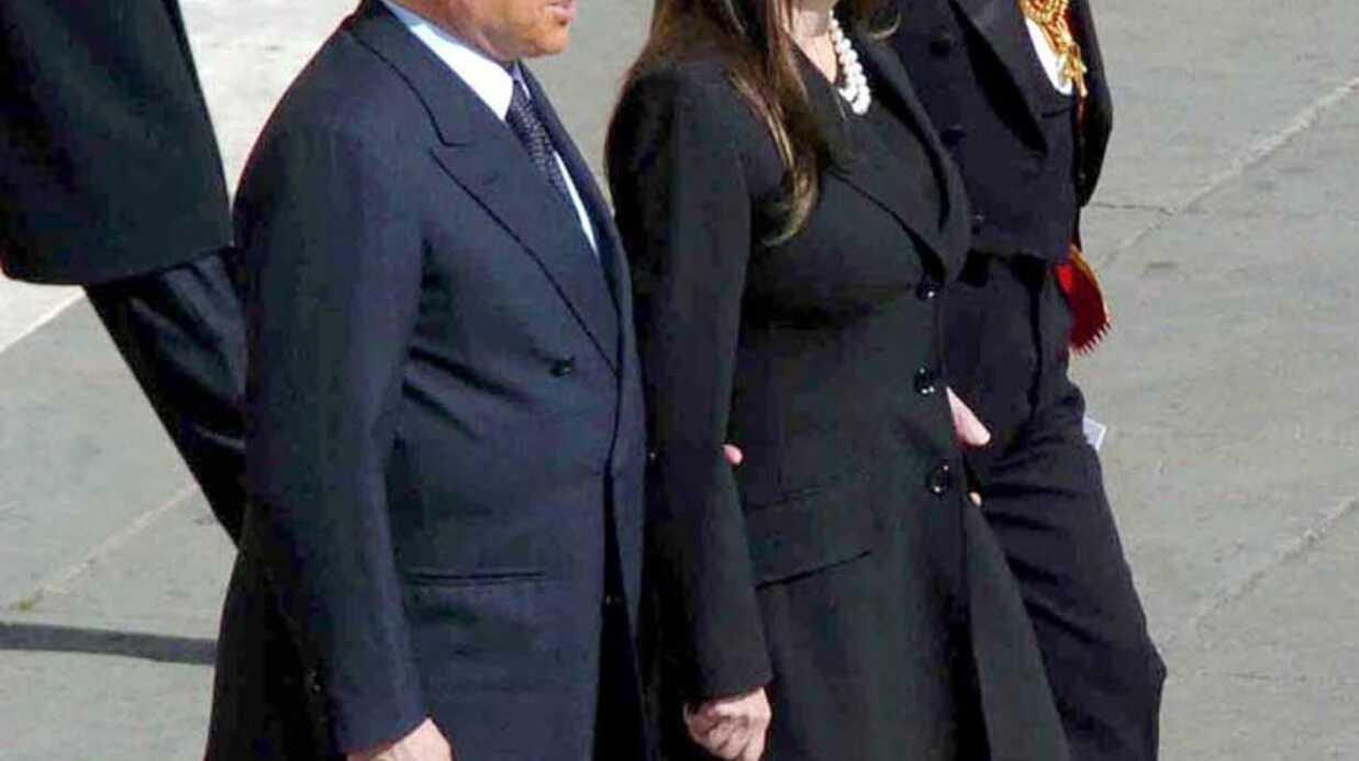 L'épouse de Silvio Berlusconi attaque publiquement son mari