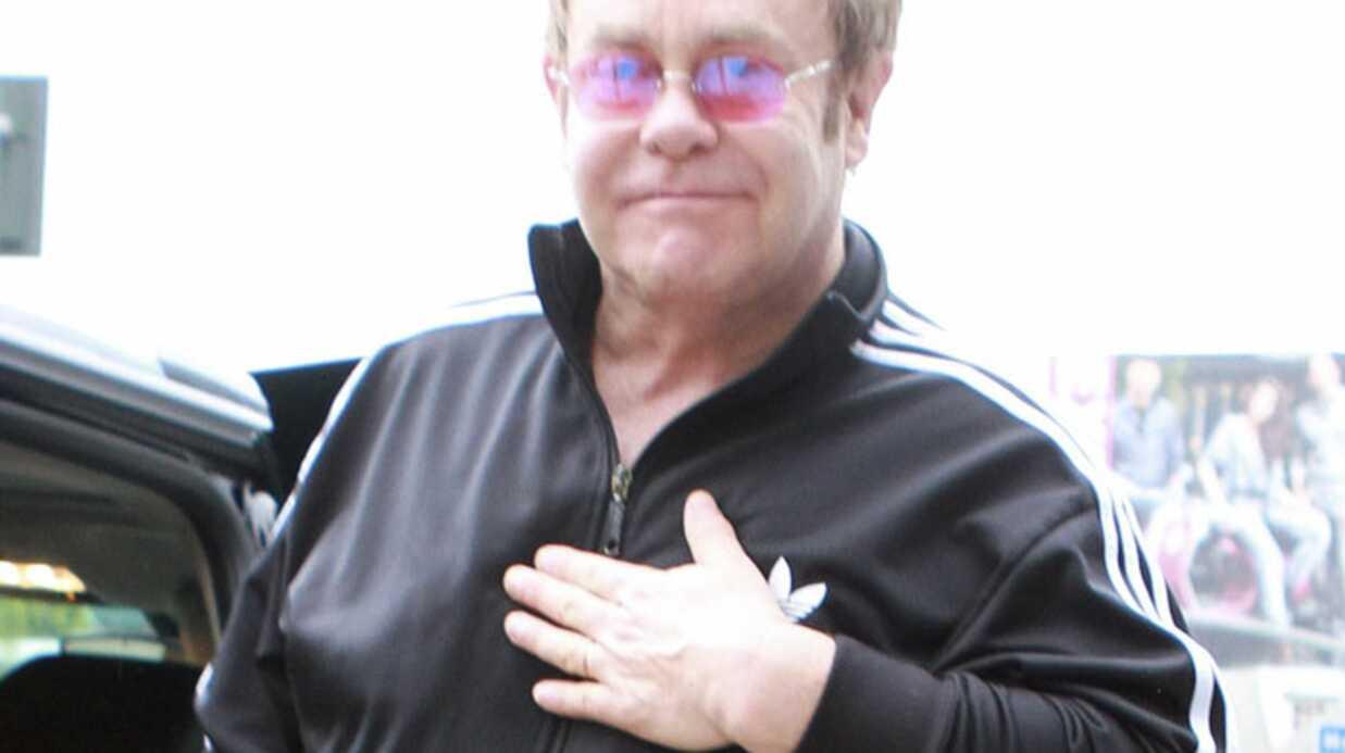 Elton John: c'est lui le père selon les documents officiels