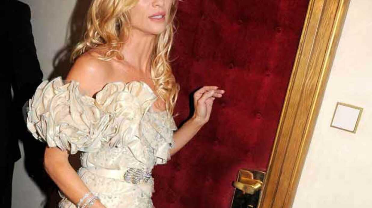 Nicollette Sheridan: elle vole 20 000 euros de matériel