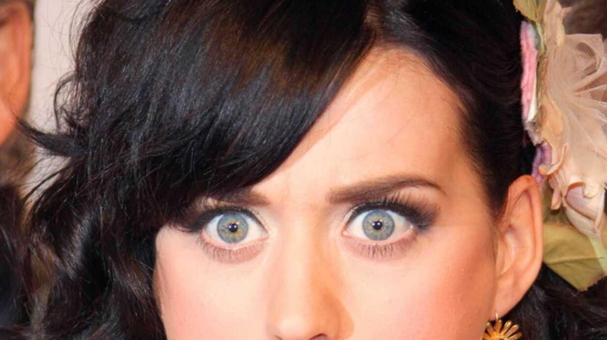 Katy Perry offre ses seins pour lutter contre le cancer