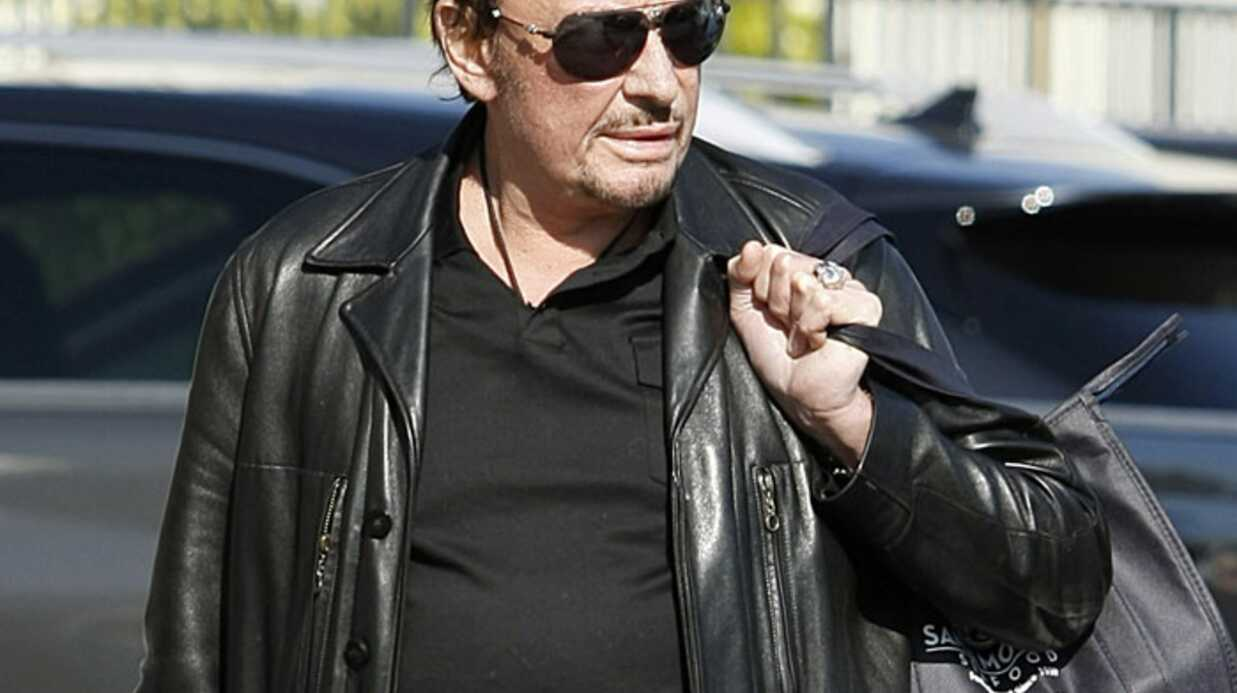 Johnny Hally­day retourne à la clinique