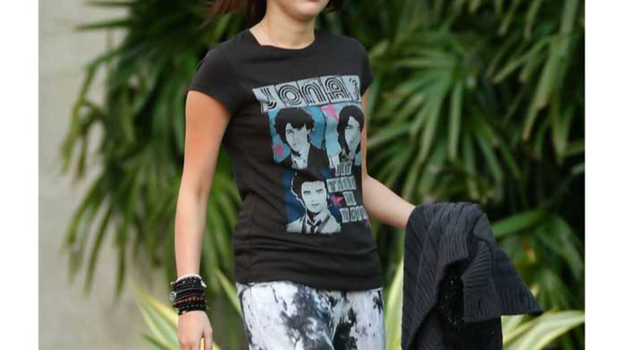 LOOK Miley Cyrus : toujours amou­reuse de Nick Jonas ?