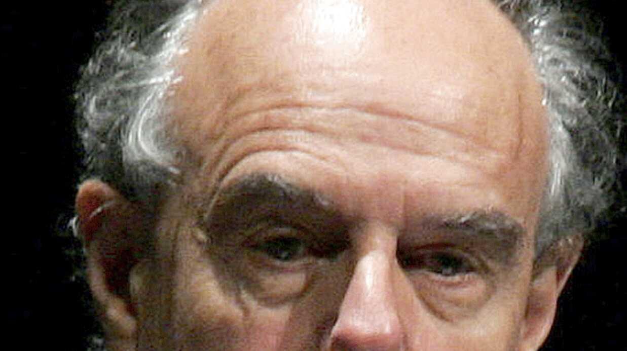Frédéric Mitterrand hospitalisé après une chute en scooter