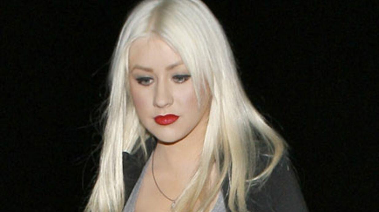 VIDEO Christina Aguilera s'excuse pour son fiasco au Super Bowl