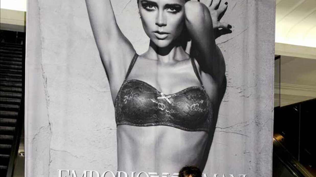 PHOTOS Victoria Beckham pour Armani: sexy mais méconnaissable