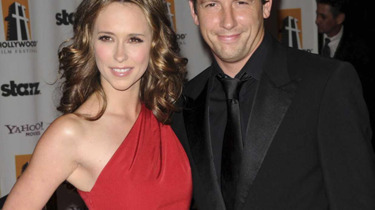 Jennifer Love-Hewitt rompt ses fiançailles