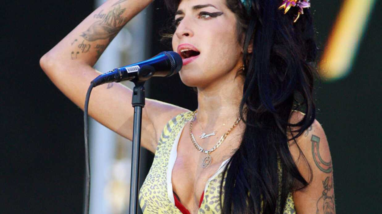 Amy Whine­house accro aux UV