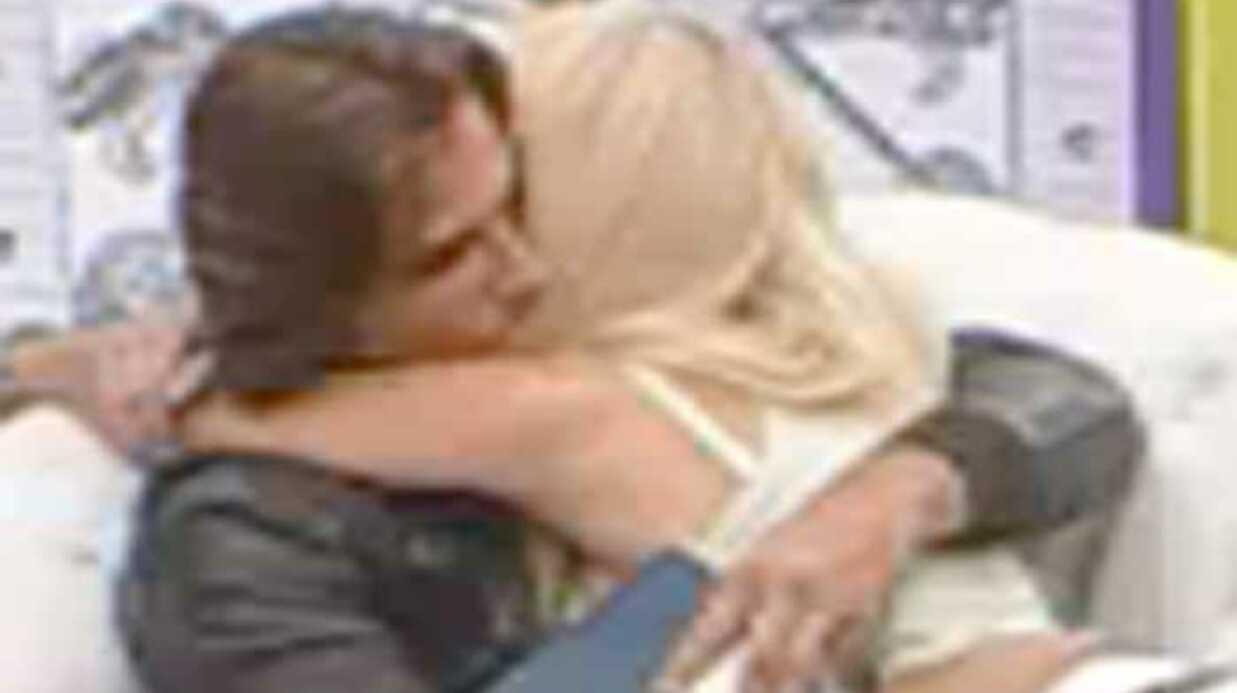 VIDEO Secret Story 3 Angie retombe dans les bras de Romain