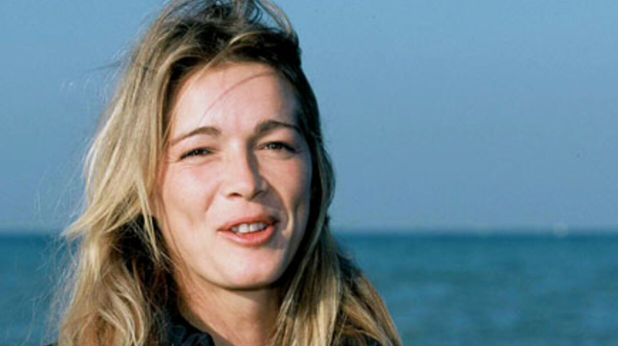 Hélène Rollès se trouve trop jeune pour le cinéma