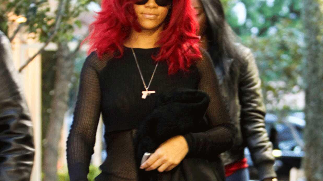 Rihanna en rouge et noir
