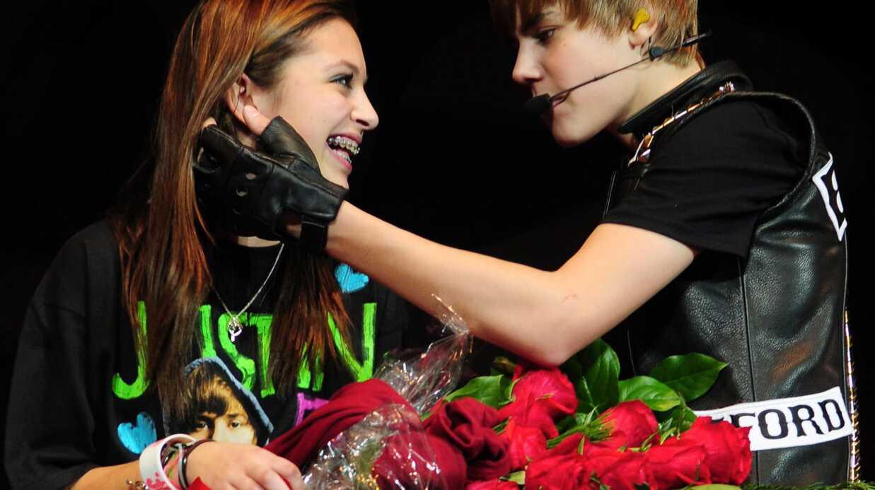 Justin Bieber sortirait-il avec 2 filles en même temps?
