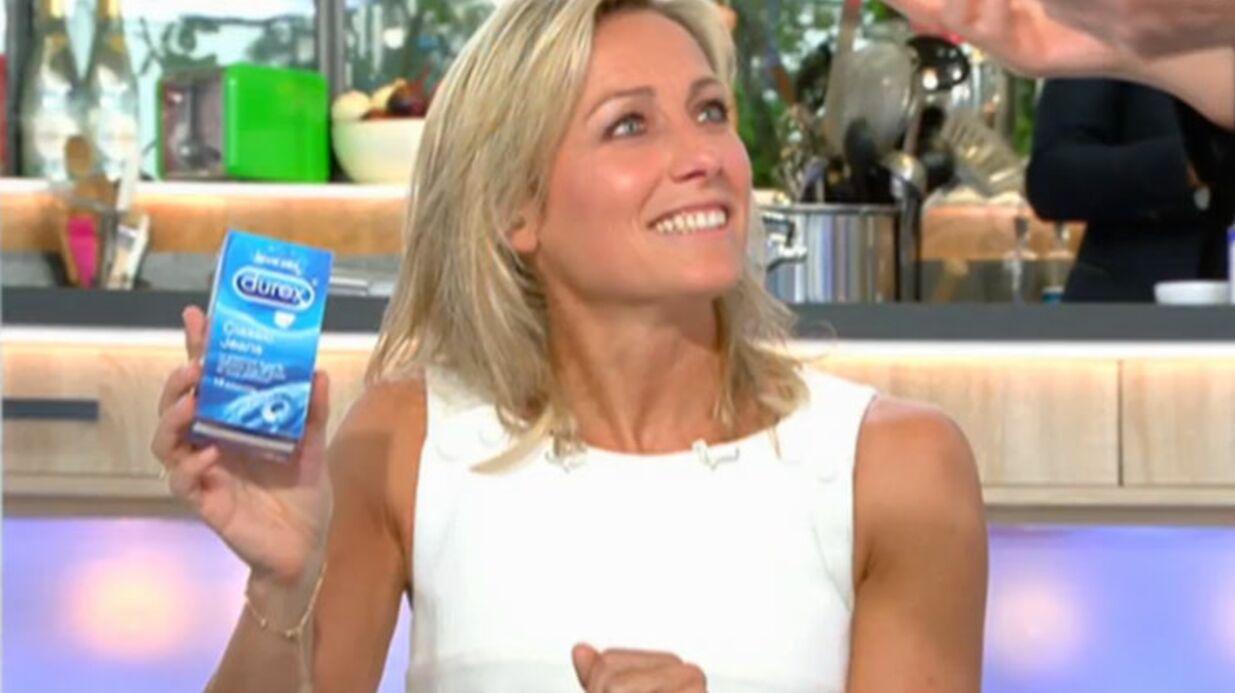 VIDEO C à vous: Roselyne Bachelot offre à l'équipe des boîtes de préservatifs