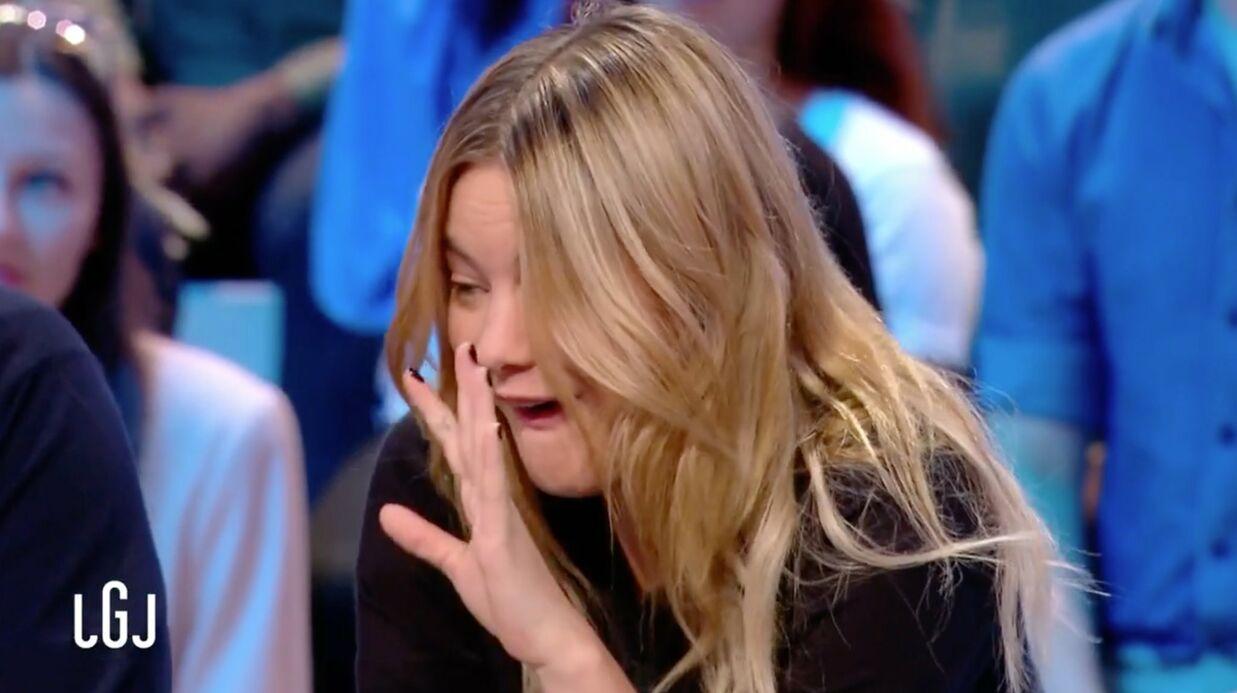 VIDEO Camille Rowe très gênée après une blague crue de Lamine Lezghad au Grand Journal