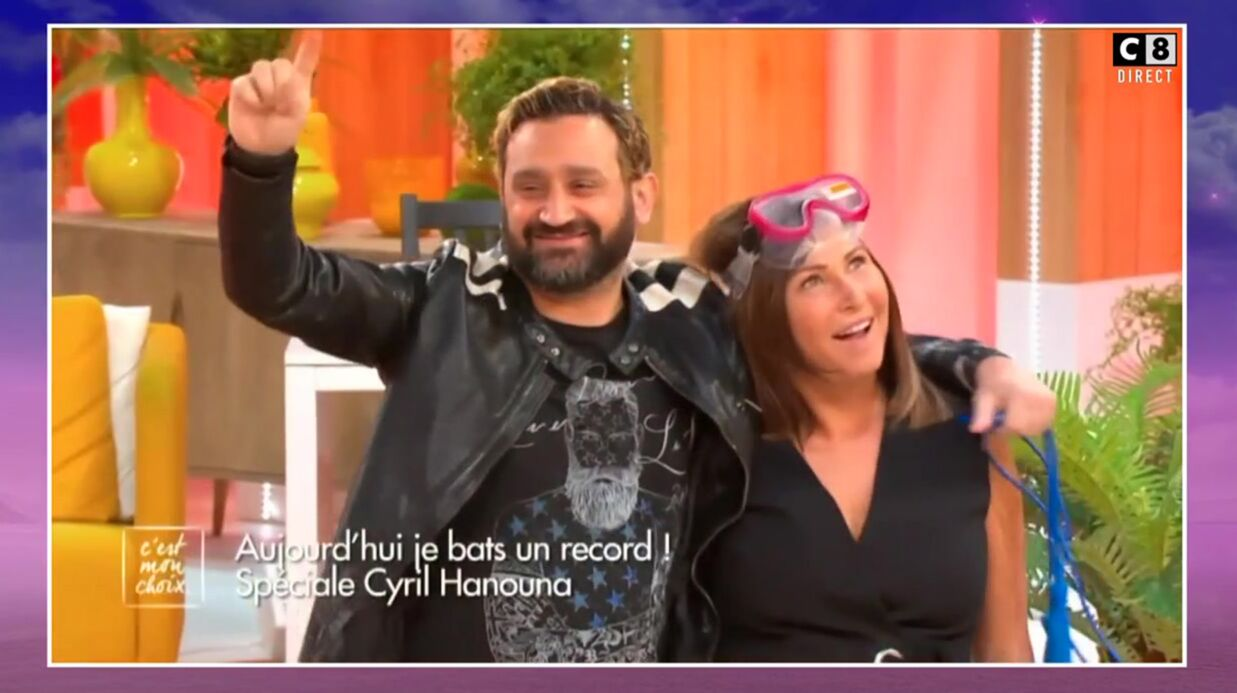 VIDEO Cyril Hanouna embrasse Evelyne Thomas, elle est aux anges