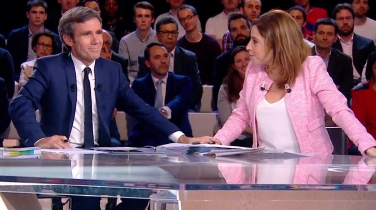 VIDEO Léa Salamé salue le professionnalisme de David Pujadas, le présentateur très ému