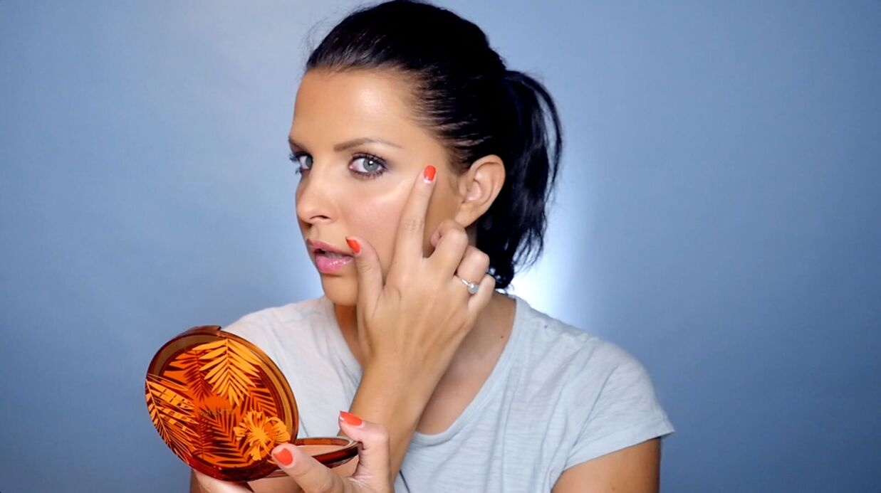 VIDEO Le tuto de Ludivine: comment avoir l'air bronzée grâce au maquillage