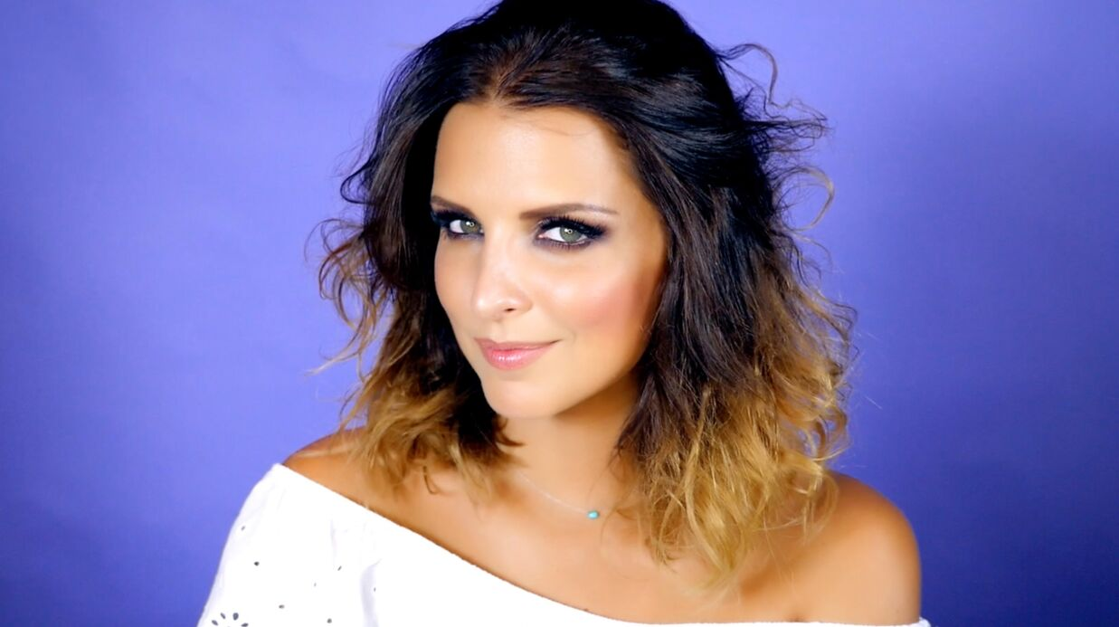 VIDEO Le tuto make-up de Ludi­vine : appre­nez à faire un smoky-eye brun irisé
