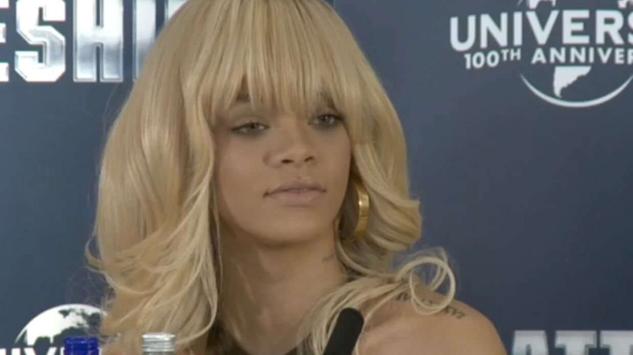 Rihanna dément (mollement) sa relation avec Ashton Kutcher