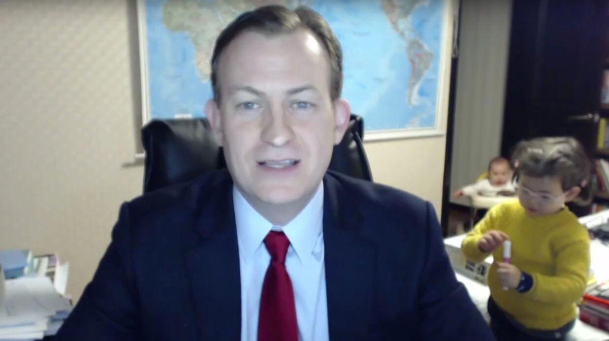 VIDEO Un intervenant du JT de BBC News voit son duplex perturbé par ses enfants