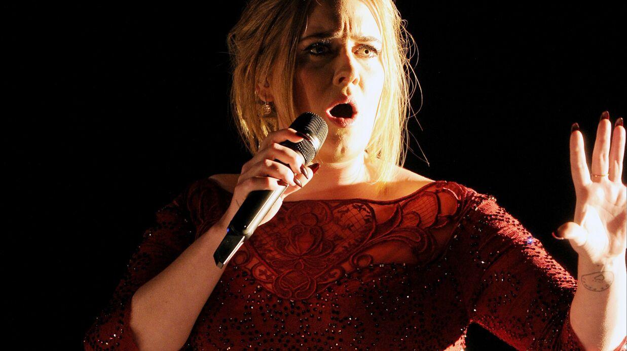 Adele rate sa performance aux Grammy Awards, elle se console avec un burger