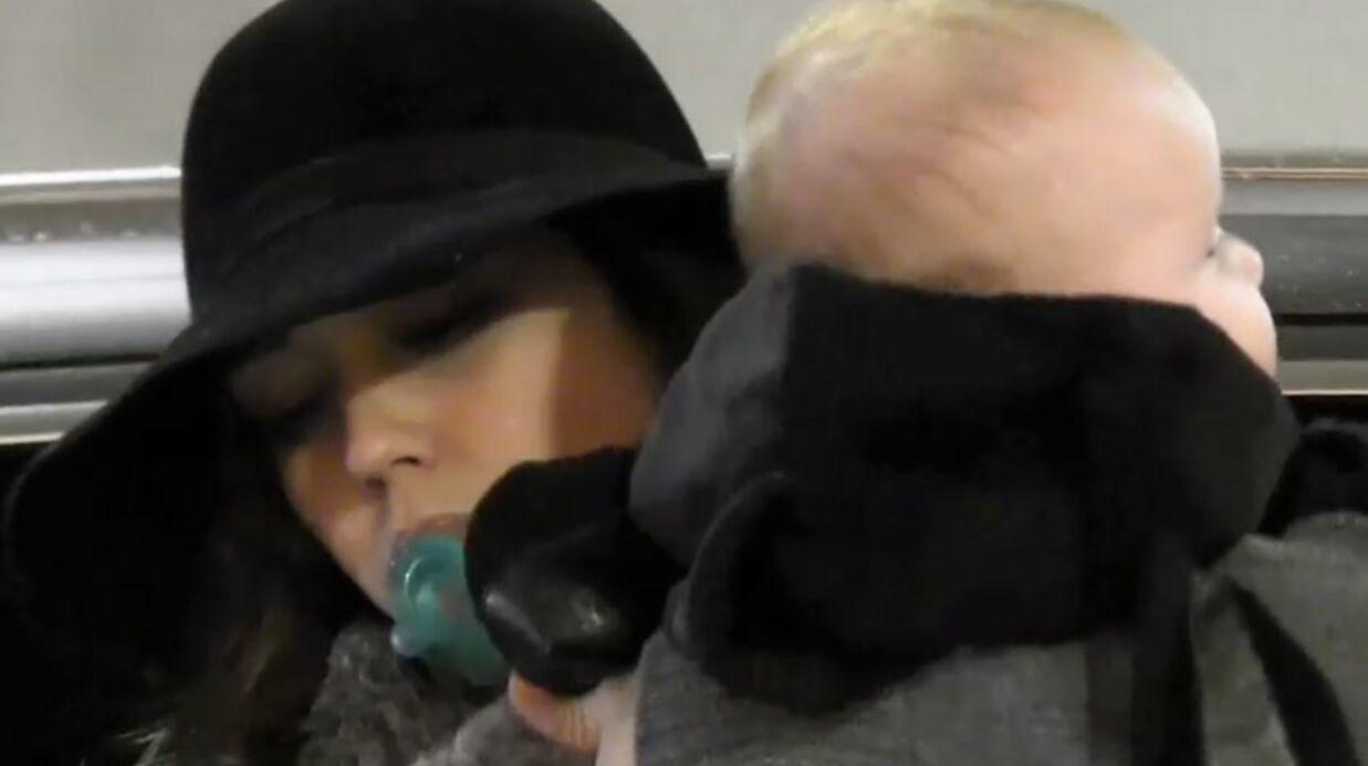 VIDEO Jessica Alba emmène son bébé en session shopping