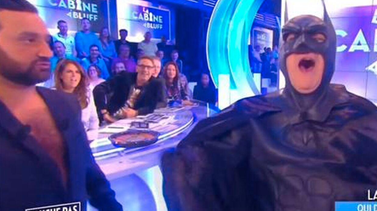 VIDEO Julien Lepers: hystérique et habillé en Batman, il fait le show dans Touche pas à mon poste
