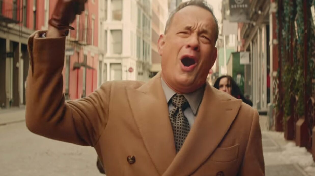 VIDEO Tom Hanks super­star du clip déjanté de Carly Rae Jepsen (Call me maybe)