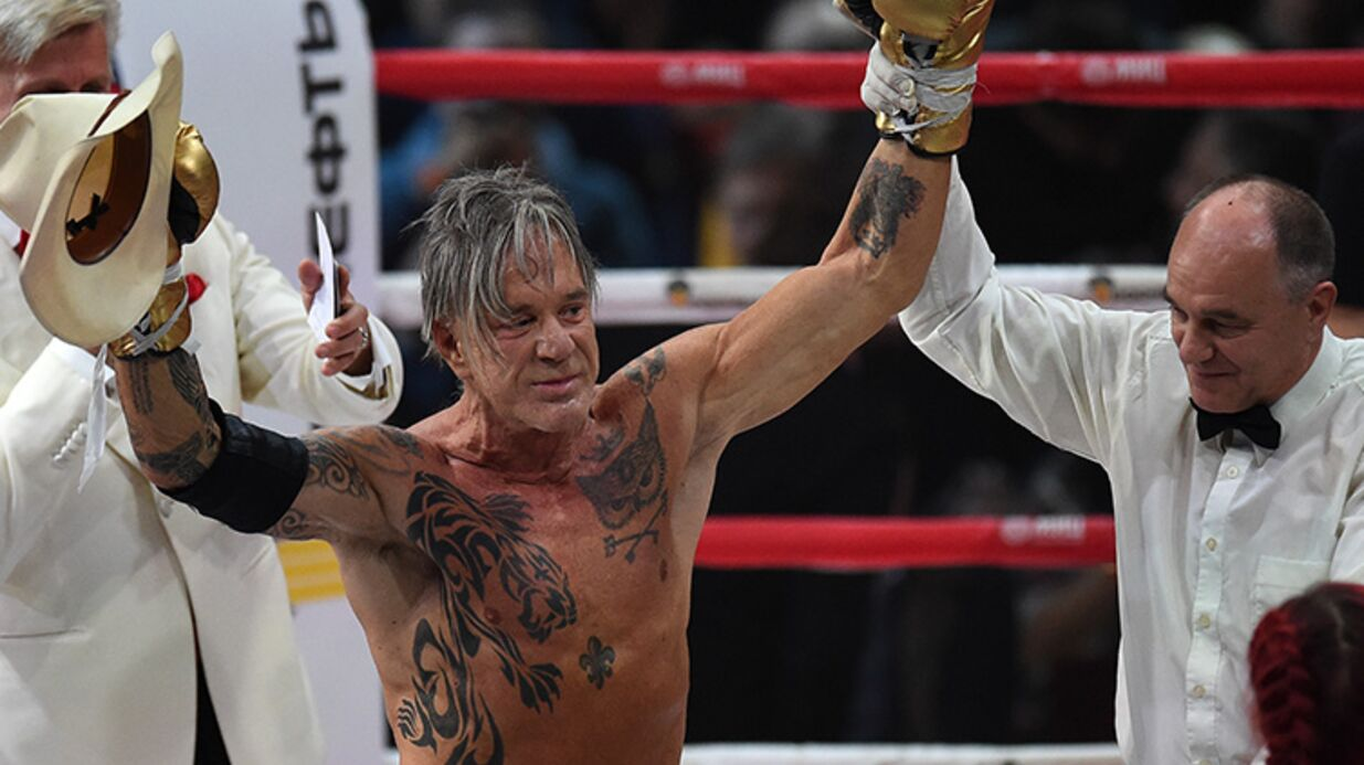 VIDEO Mickey Rourke : son incroyable victoire face à un boxeur profes­sion­nel