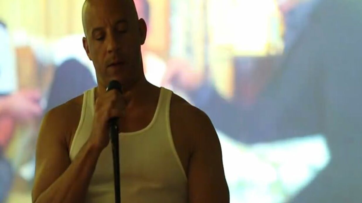 VIDEO Vin Diesel rend hommage à Paul Walker en chan­son sur Face­book